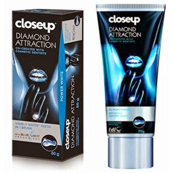 Closeup Diamond Attraction Power Whitening Toothpaste 50g Visibly White Teeth in 1 Brush