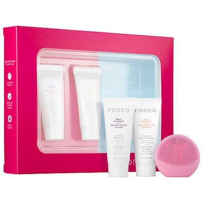 Foreo LUNA(TM) play Cleansing Discovery Must-Haves Petal Pink
