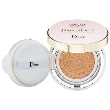 Dior Capture Totale Dreamskin Perfect Skin Cushion Broad Spectrum SPF 50 10 0.5 oz/ 15 g