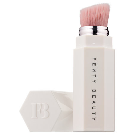 FENTY BEAUTY by Rihanna Portable Highlighter Brush 140