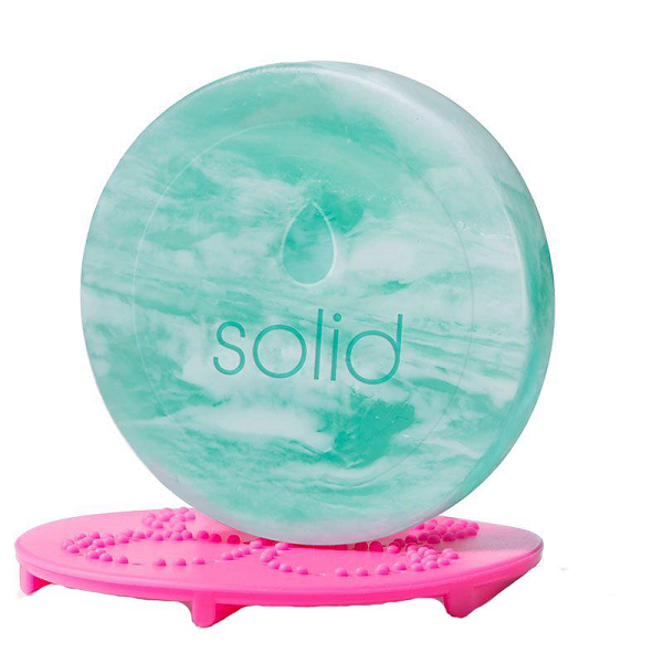 the original beautyblender® solid® chill swirl