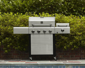 Kenmore 4 Burner Gas Grill with Steamer - Kenmore