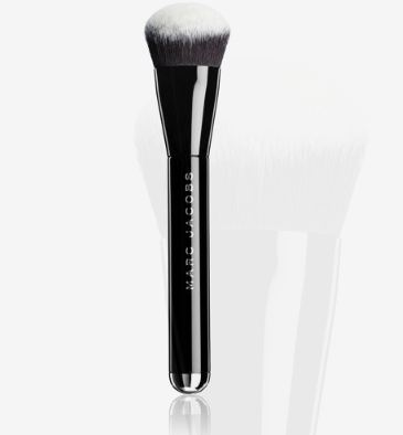 MARC JACOBS BEAUTY The Face II Sculpting Foundation Brush