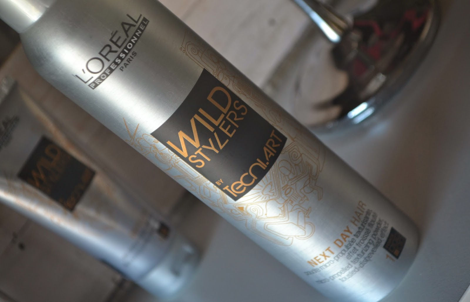 L'Oréal Professionnel Hairspray Next Day Hair Wild Stylers uploaded by Mishelle H.
