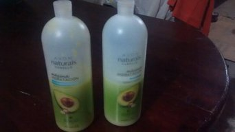 Avon Naturals Replenishing Shampoo uploaded by BELLA B.
