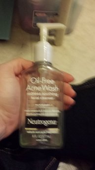 Neutrogena Oil-Free Acne Wash Redness Soothing Facial Cleanser uploaded by Jennifer L.
