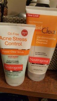 Neutrogena® Rapid Clear® Stubborn Acne Cleanser 5 fl. oz. Tube uploaded by Lisa D.