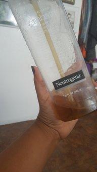 Neutrogena Rainbath® Refreshing Shower and Bath Gel - Original uploaded by Gabriela V.