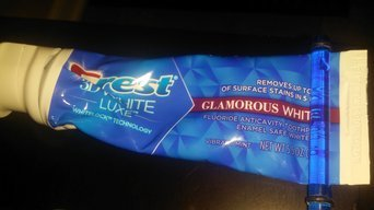 Crest 3D White Glamorous White Fluoride Anticavity Toothpaste Vibrant Mint uploaded by Veronica S.