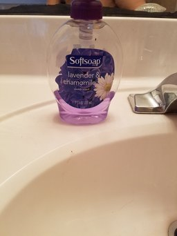 Softsoap Liquid Hand Soap Refill uploaded by Tara N.