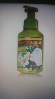 Bath & Body Works Copacabana Coconut Deep Cleansing Hand Soap uploaded by Lilianna D.
