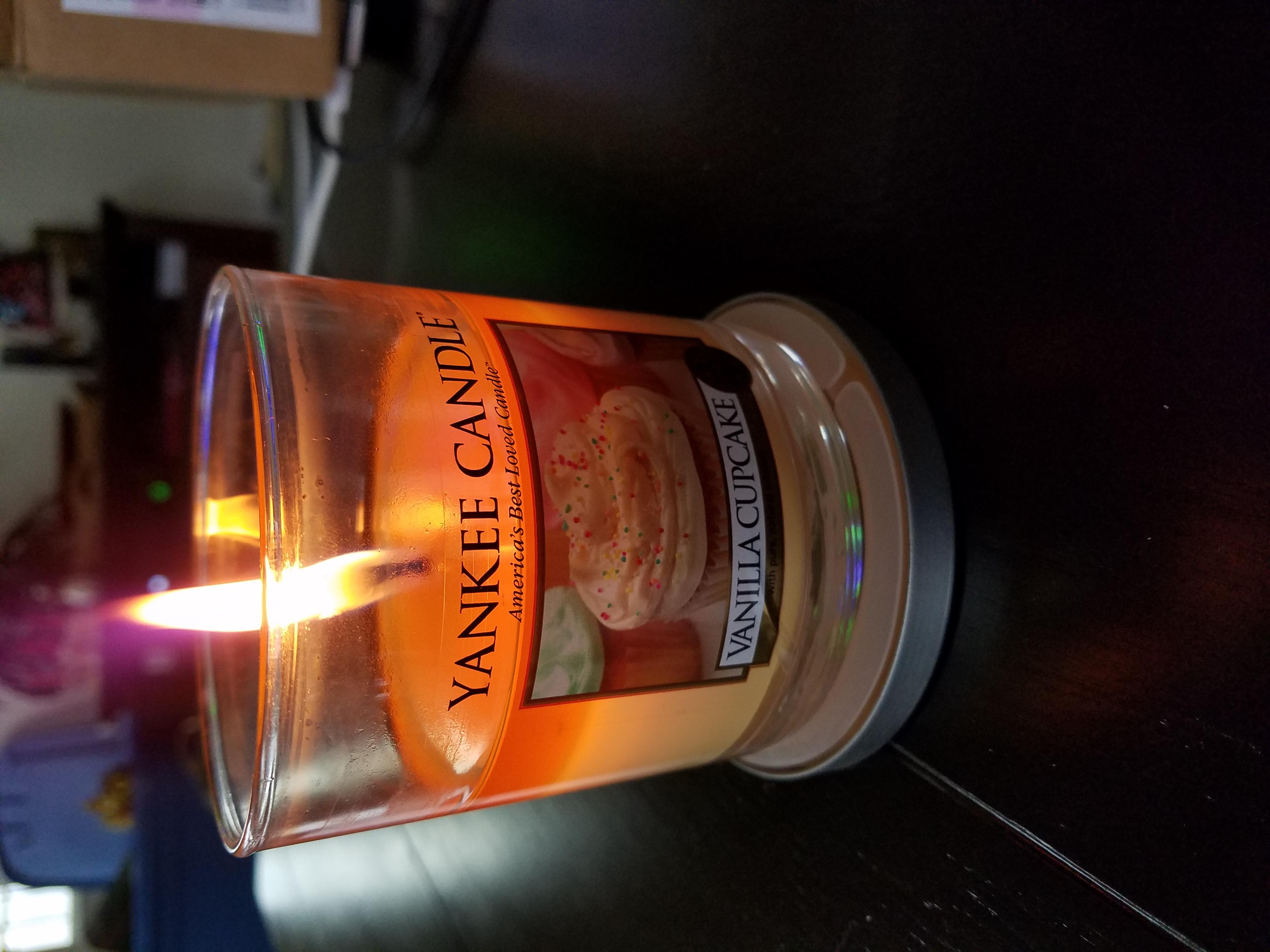 Yankee Candle Housewarmer Vanilla Cupcake Medium Lidded Candle Tumbler uploaded by Sammy Y.