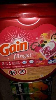 Gain Flings Tropical Sunrise Scent Laundry Detergent Pacs uploaded by Misty D.