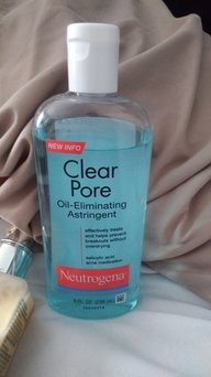 Neutrogena Clear Pore Oil-Controlling Astringent uploaded by Renee B.