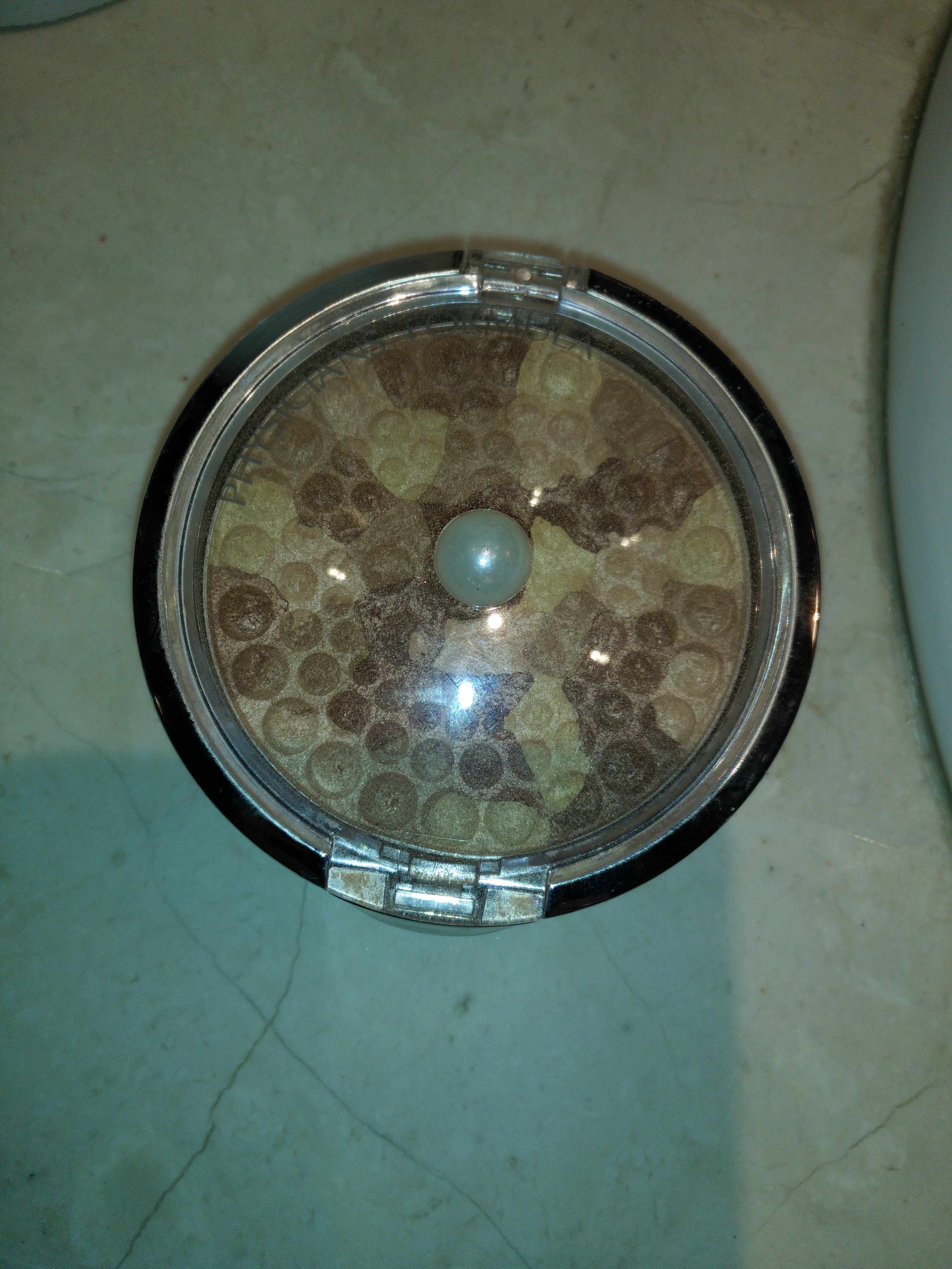 Photo of Physicians Formula Retro Glow Mosaic Bronzer Compact uploaded by Lucie L.