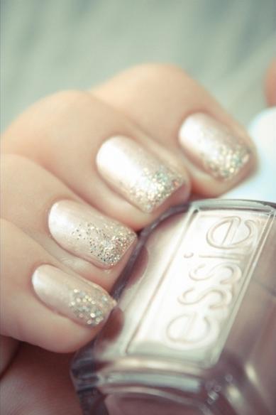 Ombre Glitter manicure