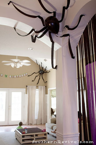 Balloon Ceiling Spiders
