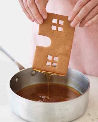 use caramel to bind sides together