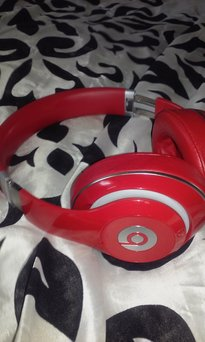 BEATS by Dr. Dre Beats Studio 2.0 - Black (900-00044-01) uploaded by Sharonda W.