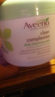 Aveeno Clear Complexion Daily Cleansing Pads uploaded by Khairun-Nisaa H.