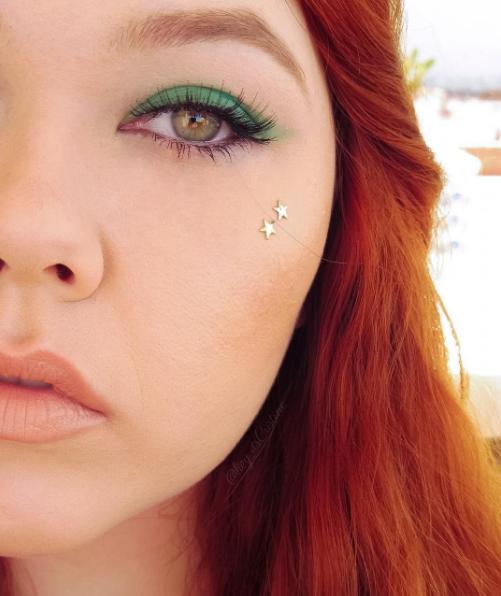Green Eyeshadow with Stars