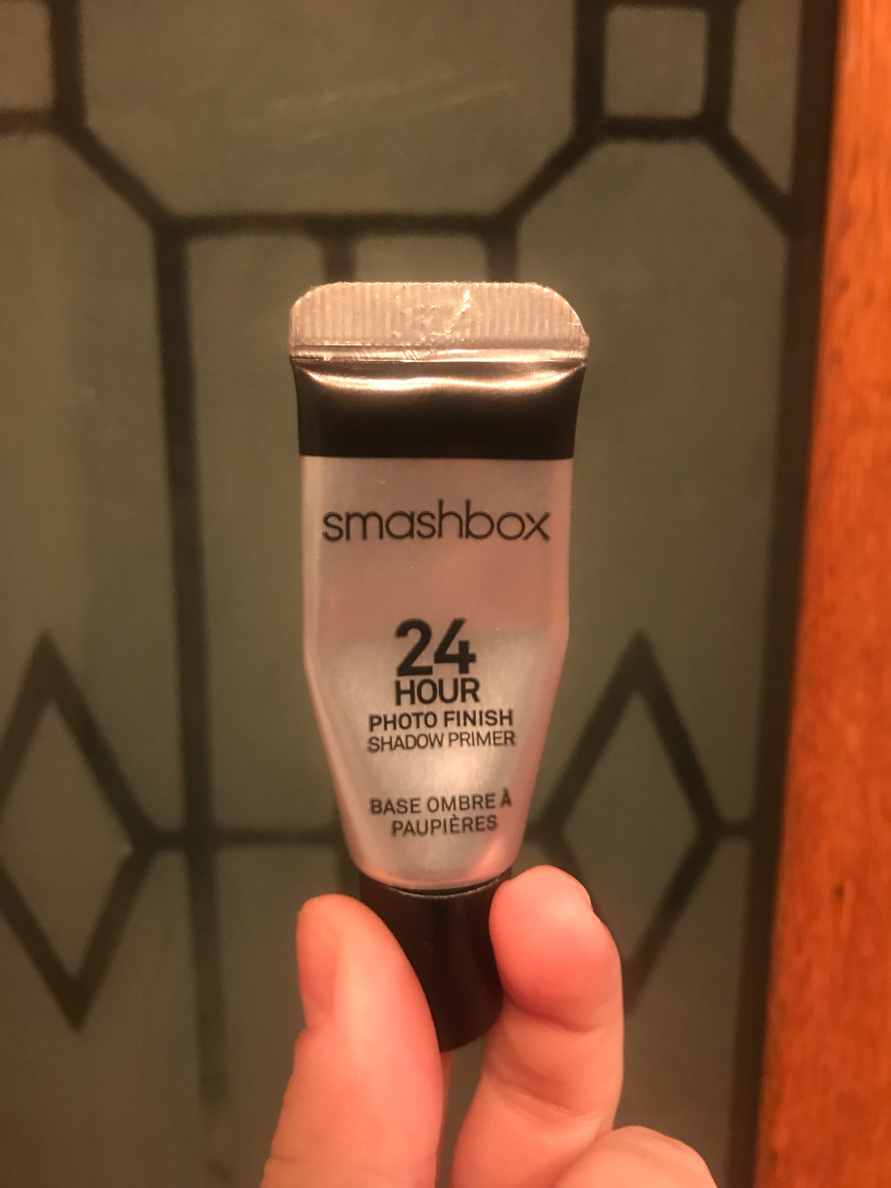 Smashbox 24-Hour Shadow Primer uploaded by Stefanie G.