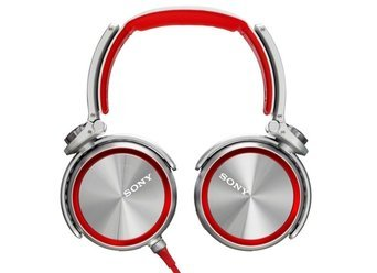 Photo of Sony MDR10RNCIPW Hi-Res Headphones for iOS and Android (White) uploaded by habiba b.