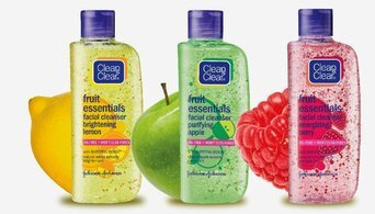 Photo of Clean & Clear® Essentials Deep Cleaning Astringent uploaded by Daniela D.