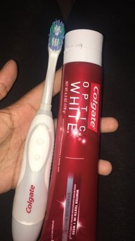 Photo of Colgate 360 Optic White Battery Toothbrush, Soft 1 each Pack of 2 uploaded by Chenel F.