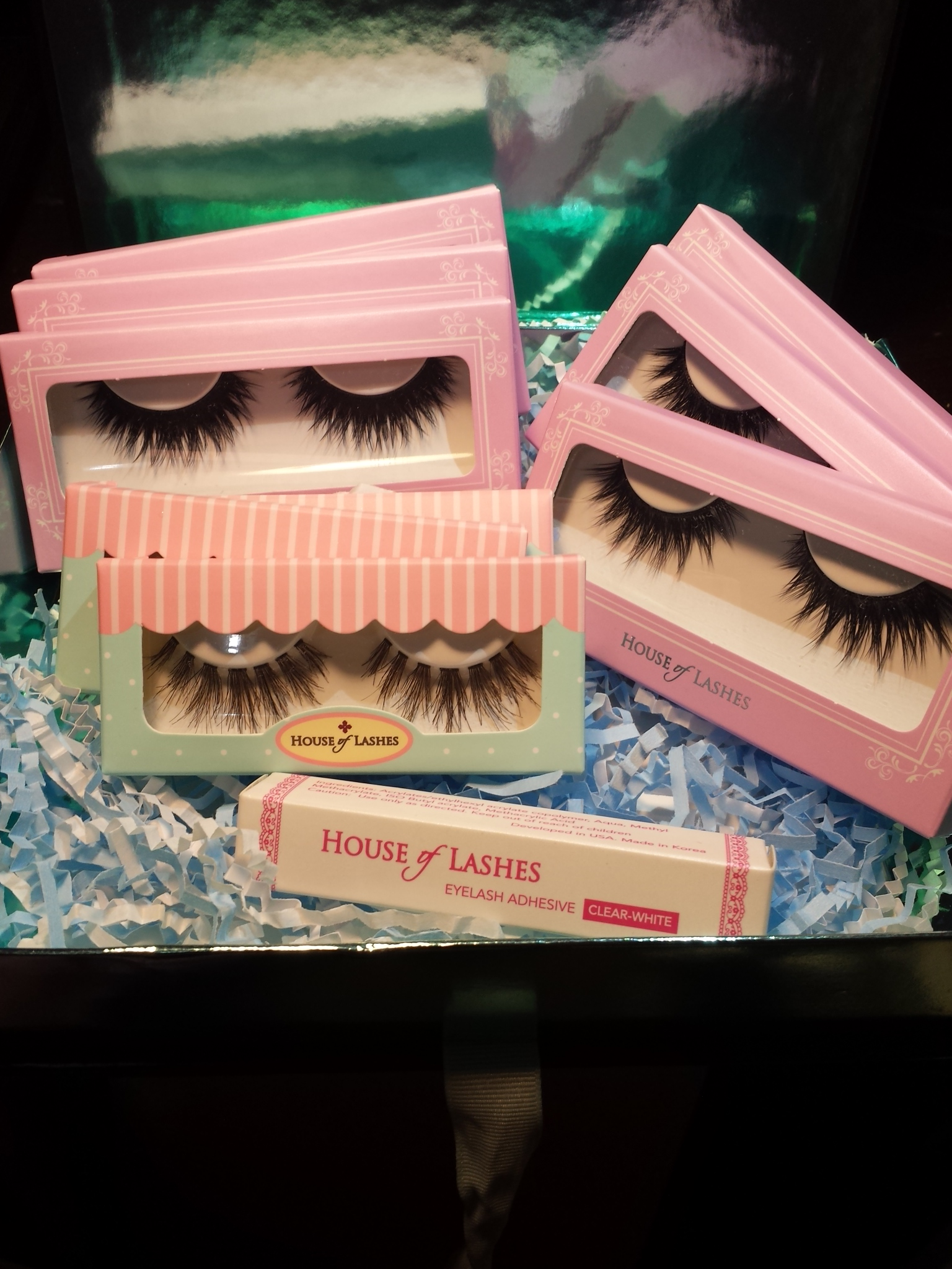 SEPHORA COLLECTION House of Lashes(R) Eyelash Adhesive Black 0.14 oz/ 4 mL uploaded by Victoria L.