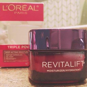 L'Oréal Paris RevitaLift® Triple Power Deep Acting Moisturizer uploaded by Diana B.