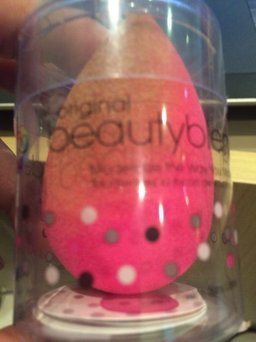 Beautyblender Blendercleanser uploaded by Kenia C.