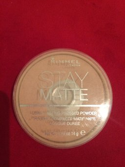 Photo of Rimmel London Clear Complexion Anti Shine Powder uploaded by Kenia C.