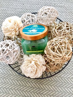 Photo of Tree Hut Coconut Lime Shea Sugar Scrub uploaded by Veronica M.