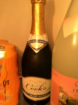 Cook's California Champagne Brut uploaded by Moonyalondon H.