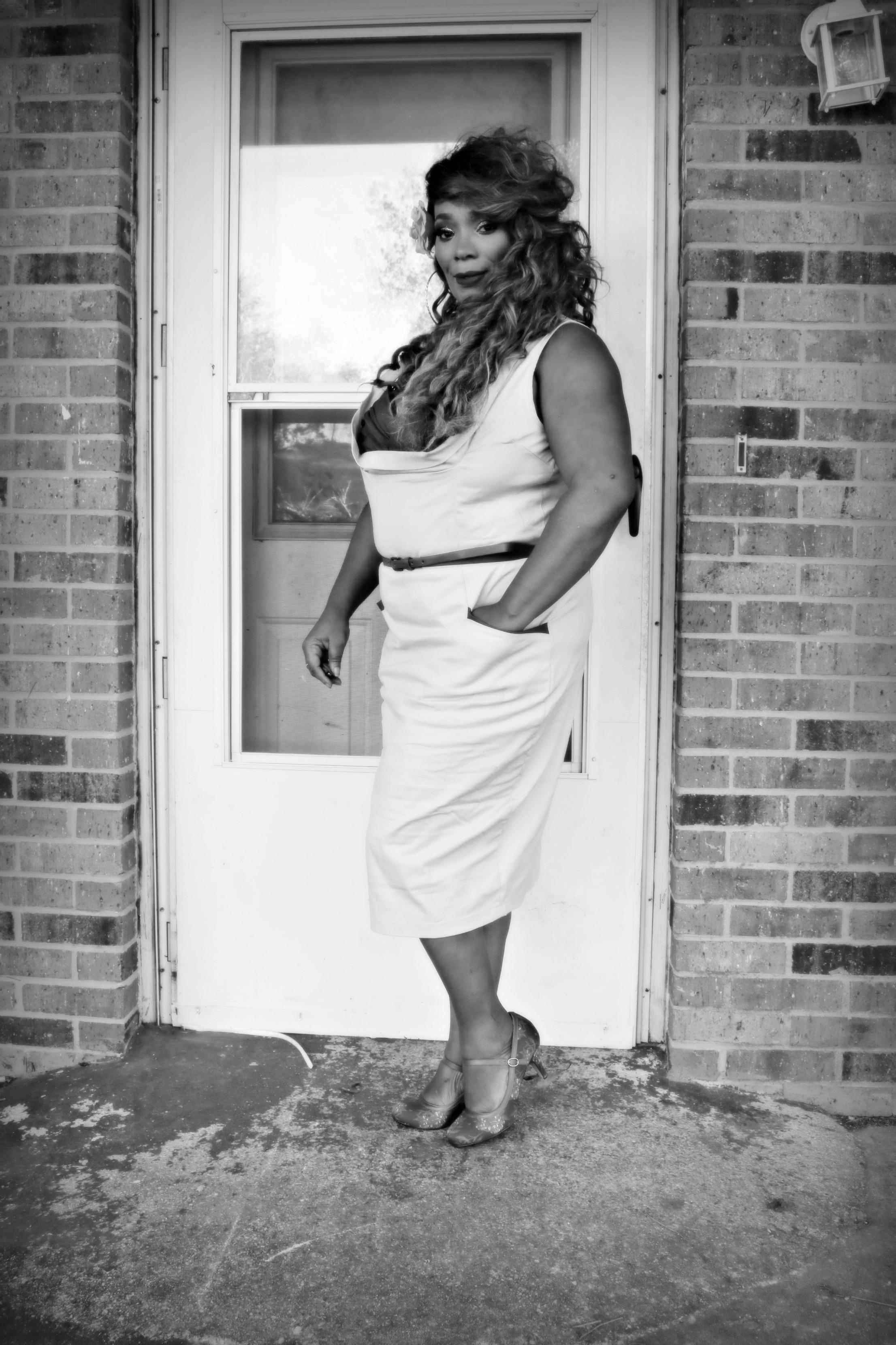 Lindy Bop 'Audrey' Classy Vintage Style 1950's Rockabilly Swing Evening Dress [] uploaded by Vanessa R.