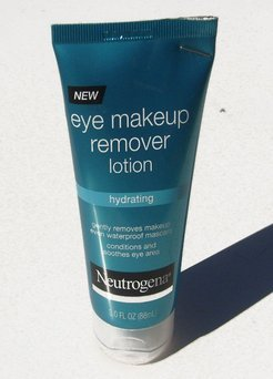 Neutrogena Hydrating Eye Makeup Remover Lotion uploaded by Michelle Ann B.