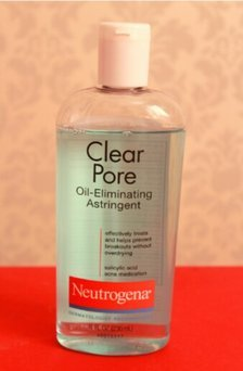 Neutrogena Clear Pore Oil-Controlling Astringent uploaded by Rayla D.