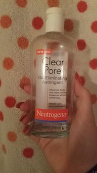 Neutrogena Clear Pore Oil-Controlling Astringent uploaded by Danielle F.