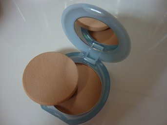 Shiseido Pureness Natural Beige Matifying Compact Oil-Free uploaded by Jimena A.