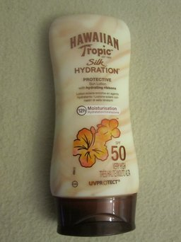 Hawaiian Tropic Sunblock, UVA/UVB Broad Spectrum, SPF 45 Plus 8 fl oz (237 ml) uploaded by Macarena M.