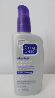 Clean & Clear Advantage Acne Control Moisturizer uploaded by diana b.