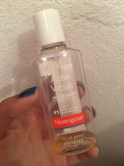 Neutrogena Oil-Free Acne Wash uploaded by Destiny F.
