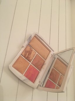 Hourglass Ambient® Lighting Edit - Surreal Light uploaded by Sophie S.
