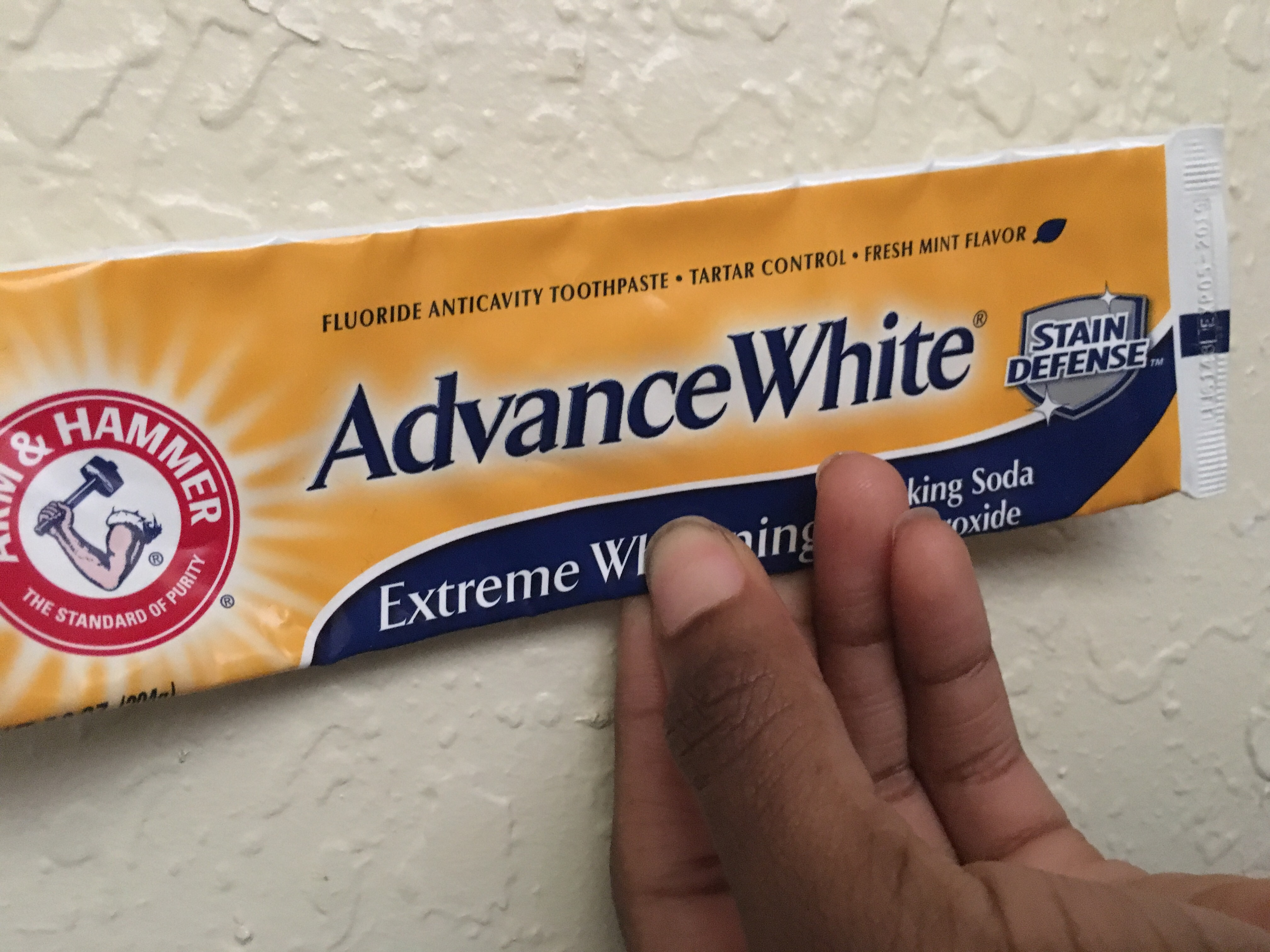 ARM & HAMMER™ Advance White Breath Freshening Baking Soda & Frosted Mint uploaded by Kenya J.