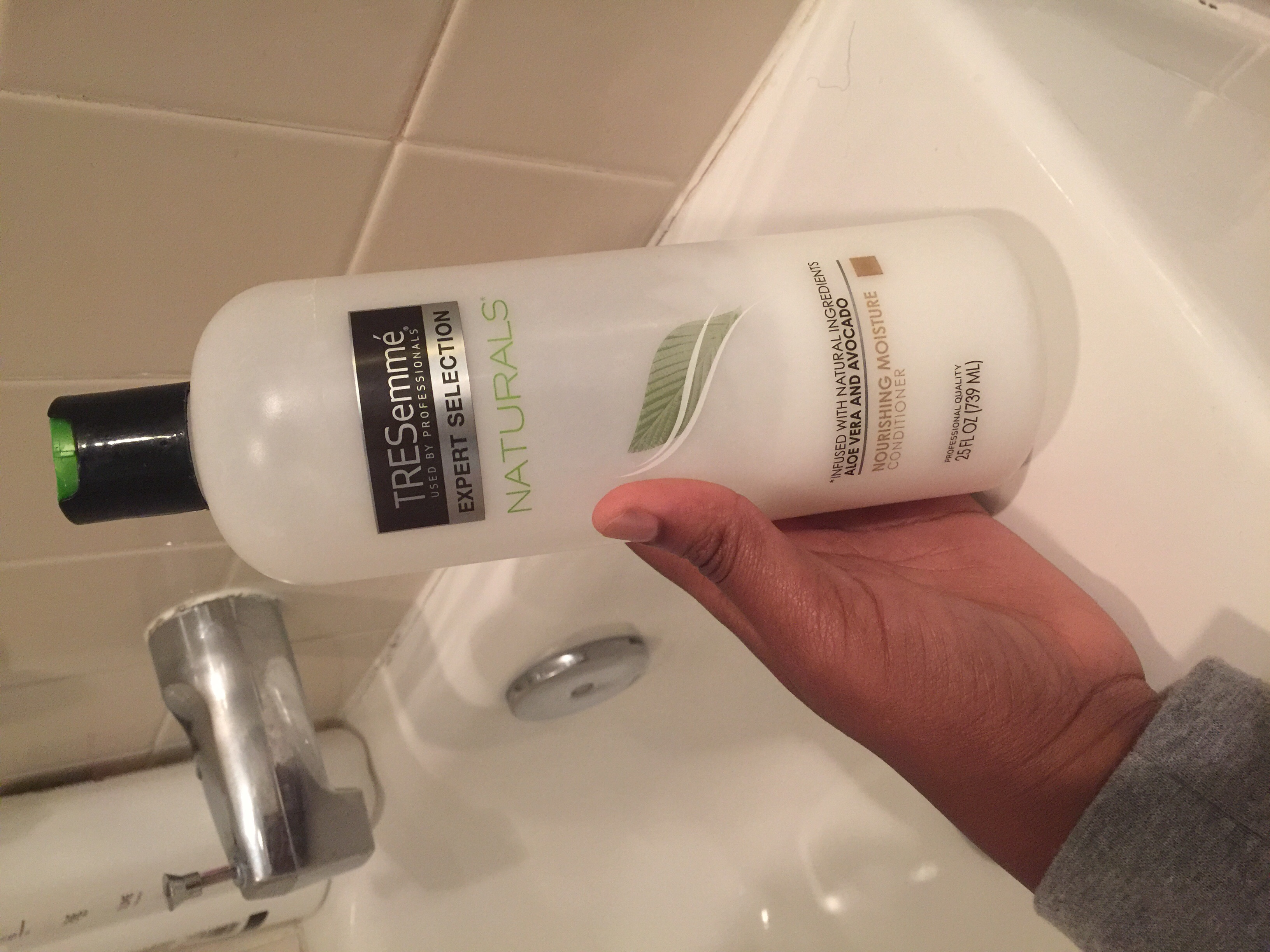 TRESemmé Naturals Vibrantly Smooth Conditioner uploaded by Zainab M.