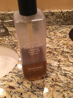 Neutrogena Rainbath® Refreshing Shower and Bath Gel - Original uploaded by LA B.