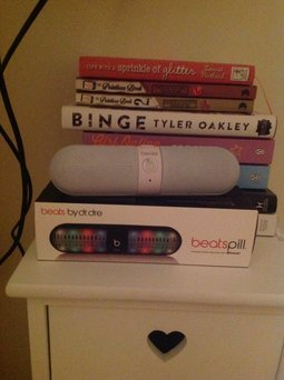 BEATS by Dr. Dre Beats by Dre Pill 2.0 - White uploaded by Molly D.
