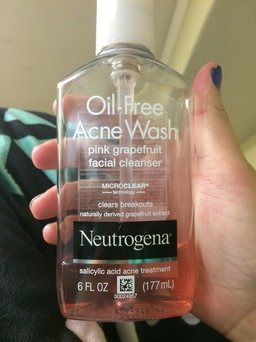 Neutrogena Oil-Free Pink Grapefruit Acne Wash Facial Cleanser uploaded by Katlyn C.
