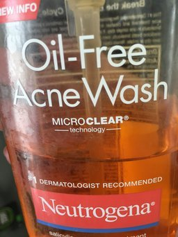 Neutrogena Oil-Free Acne Wash uploaded by Anabel O.